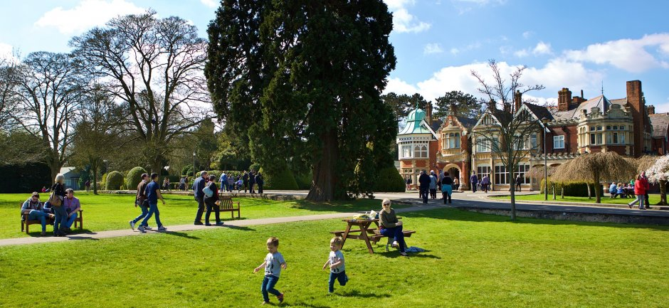 Bletchley Park families, credit Shaun Armstrong, courtesy Bletchley Park Trust